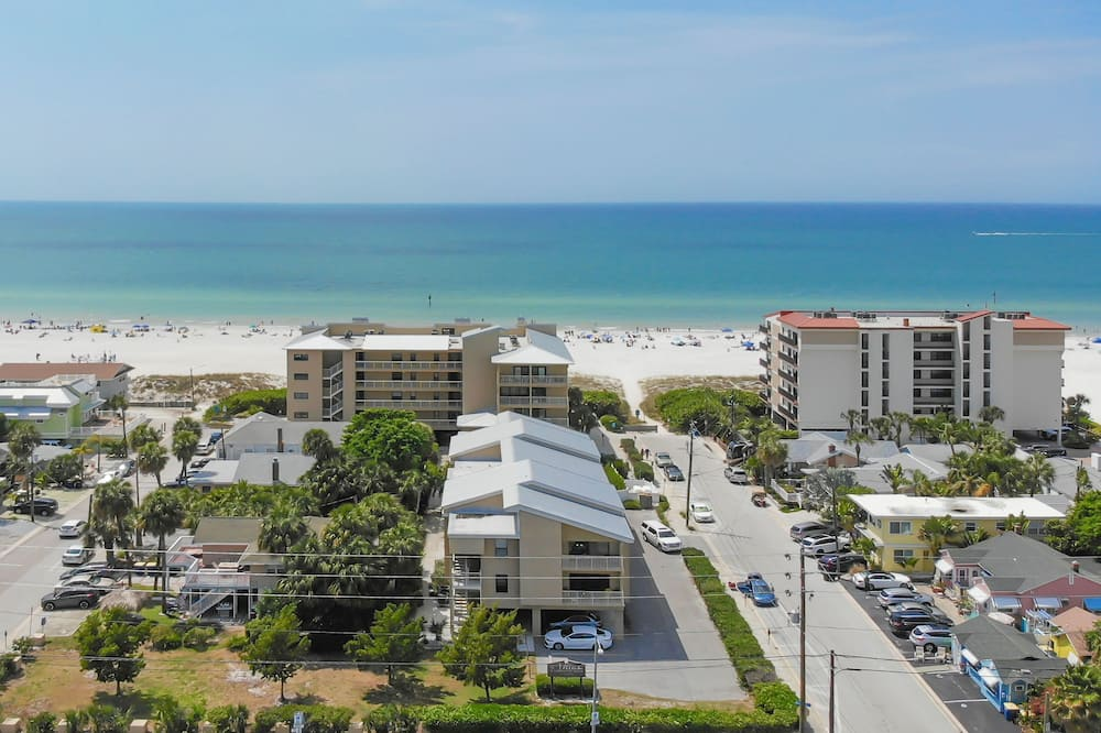 S Of Clearwater B1 2 Bedroom Condo, Clearwater Beach