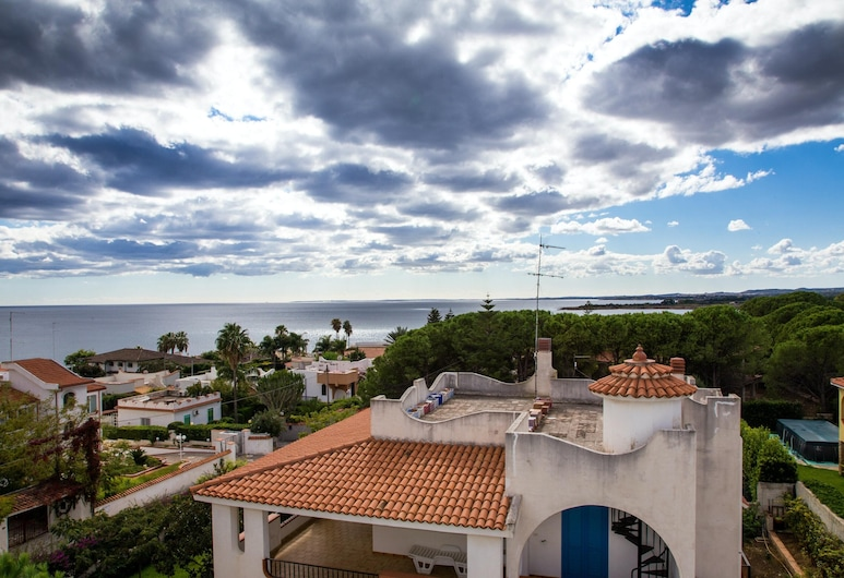 House With 5 Bedrooms in Fontane Bianche, With Wonderful sea View, Enclosed Garden and Wifi - 400 m From the Beach, Syracuse, Front of property