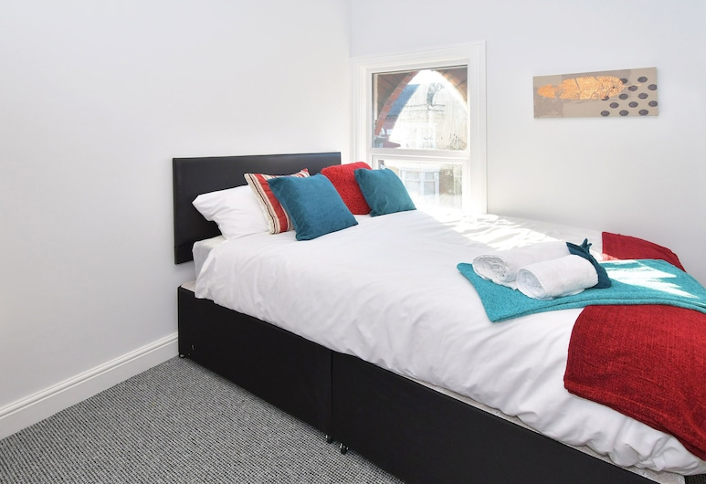 Townhouse @ 272 Walthall Street Crewe, Crewe, Single Room, Shared Bathroom, Guest Room