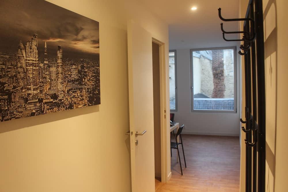 Apartment, Ensuite, Courtyard View (London) - Lobby