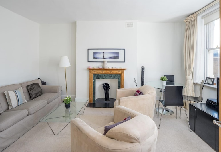 Lovely 2-bed Flat With all Amenities in Kensington, London, Apartment, Room