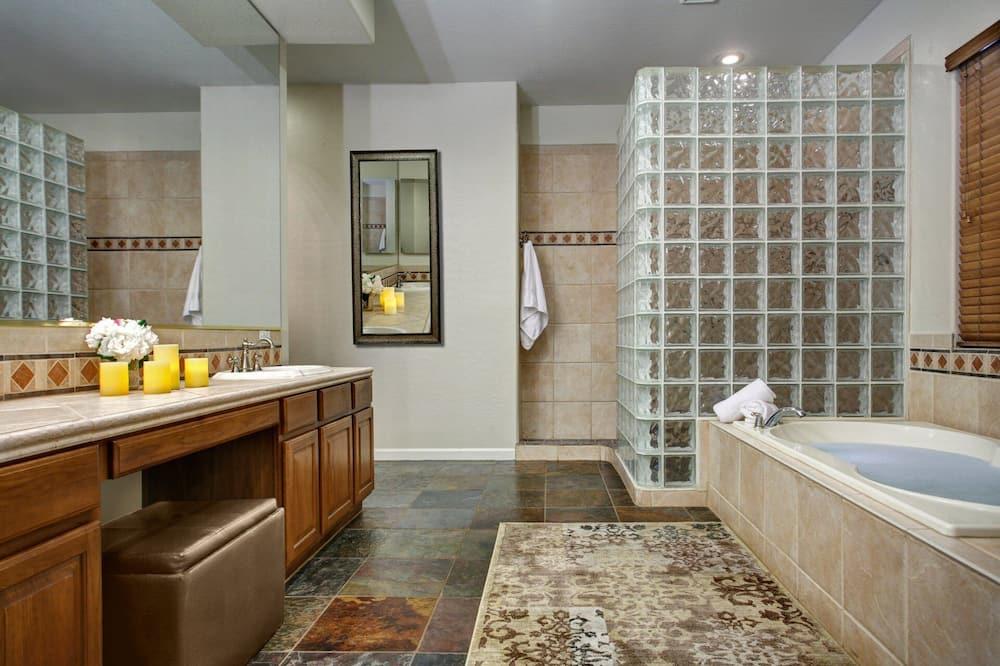 House (6 Bedrooms) - Bathroom