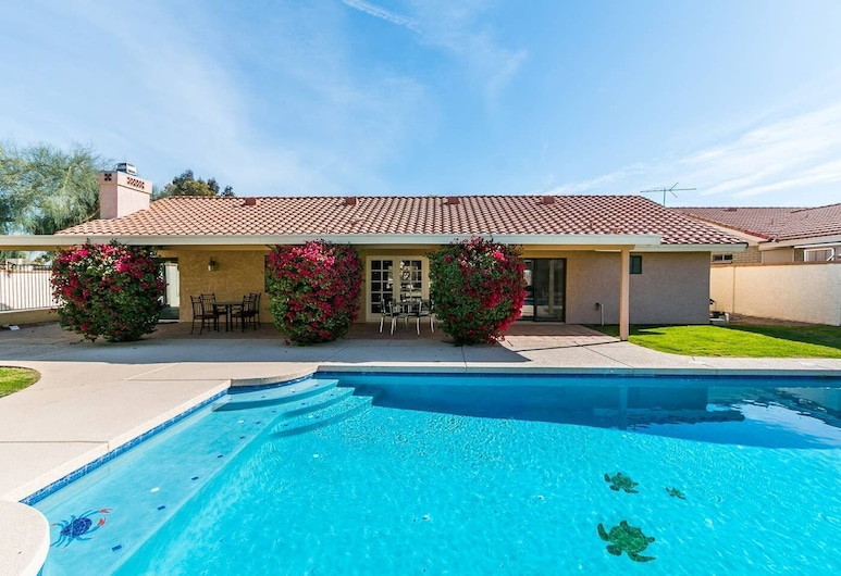 North Phoenix 6 Bdrm w/ Guest House and Htd Pool!, Phoenix, Interiér