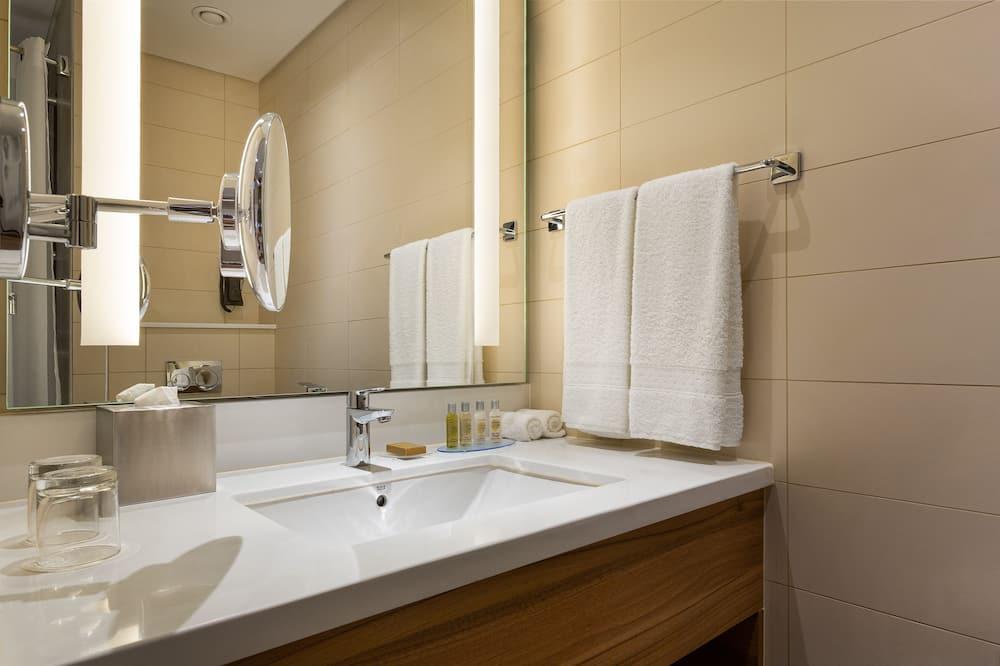 Familienzimmer, 1King-Bett, Verbindungszimmer - Badezimmer