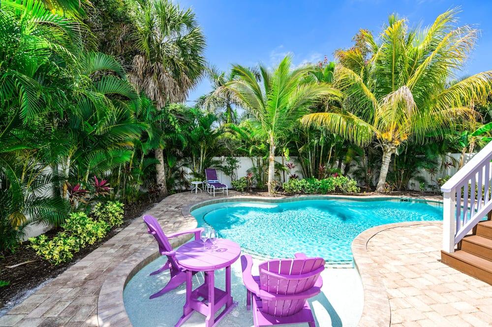 منزل - ٣ غرف نوم - حمام سباحة