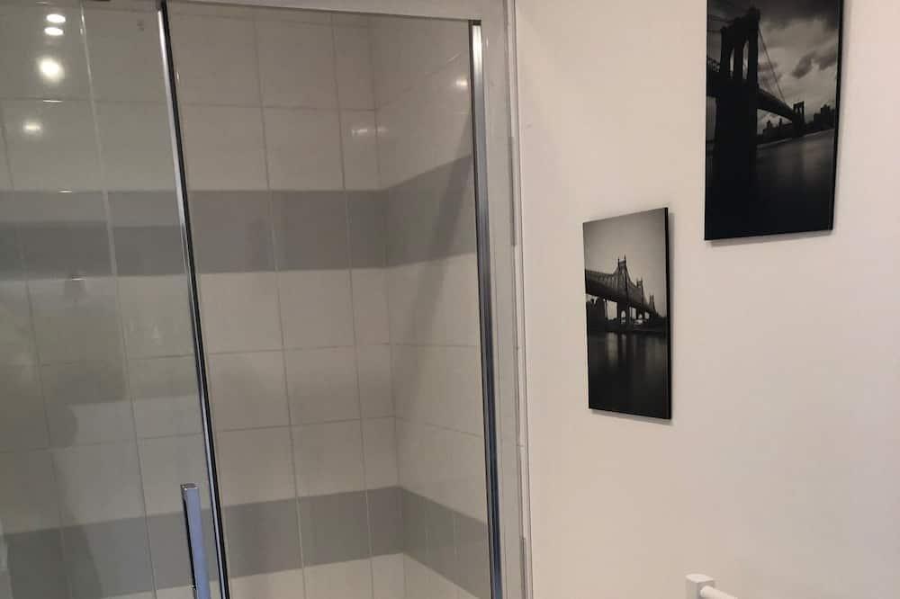 อพาร์ทเมนท์, ห้องน้ำในตัว (New York) - ห้องน้ำ