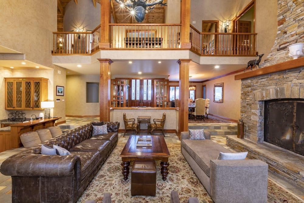 Dom, 6 spální - Obývačka