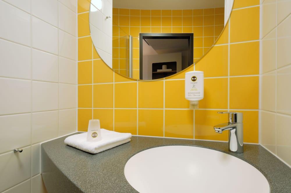 Rodinná štvorposteľová izba - Kúpeľňa