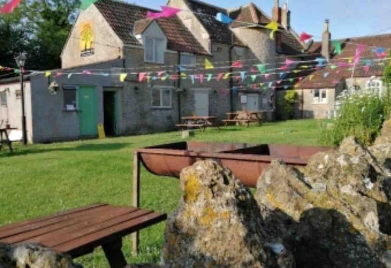 Tuckers Grave Inn Nr Bath Longleat Cheddar Bristol, Radstock, Cottage, Multiple Beds, Property Grounds
