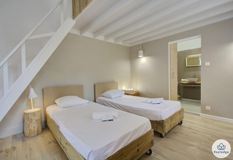 Les Sereins, سانت دينيس, غرفة عائلية, غرفة نزلاء