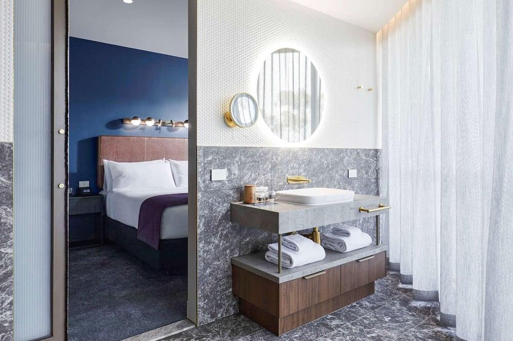 Superior Apartment, 1 Bedroom, Balcony - Bathroom