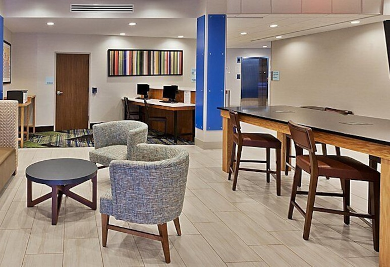 Holiday Inn Express and Suites Griffin, Griffin, Sitzecke in der Lobby