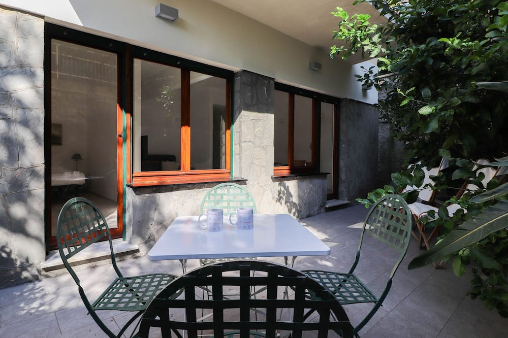 Studio, 1 Queen Bed with Sofa bed, Terrace, Garden View - Terrace/Patio