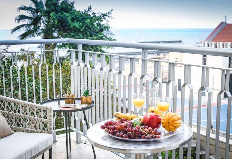 Deluxe 2BD Jaffa Dreams W Pool & Parking, Tel Aviv, Apartment, 2 Bedrooms, Pool Access, Balcony