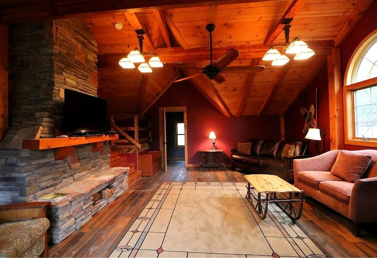 Smokey Valley Lodge 2 Bedroom Home, Great Valley, House, 3 Bedrooms, Living Room