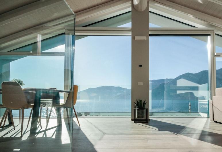 Italianway - Villa Paloma, Marone, Apartment, 1 Schlafzimmer, Seeblick (Maestrale), Terrasse/Patio