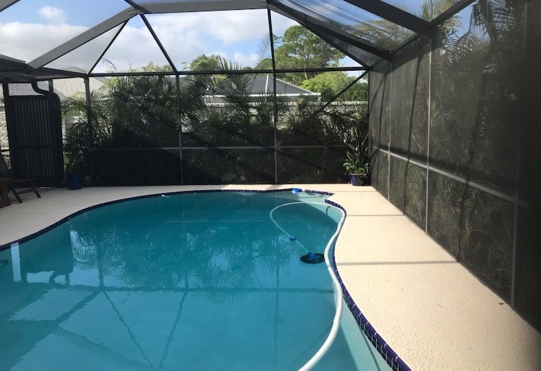 2 Bedroom 2 Bath Pool Home With Covered Lanai on a Private lot, Port Saint Lucie, Basen