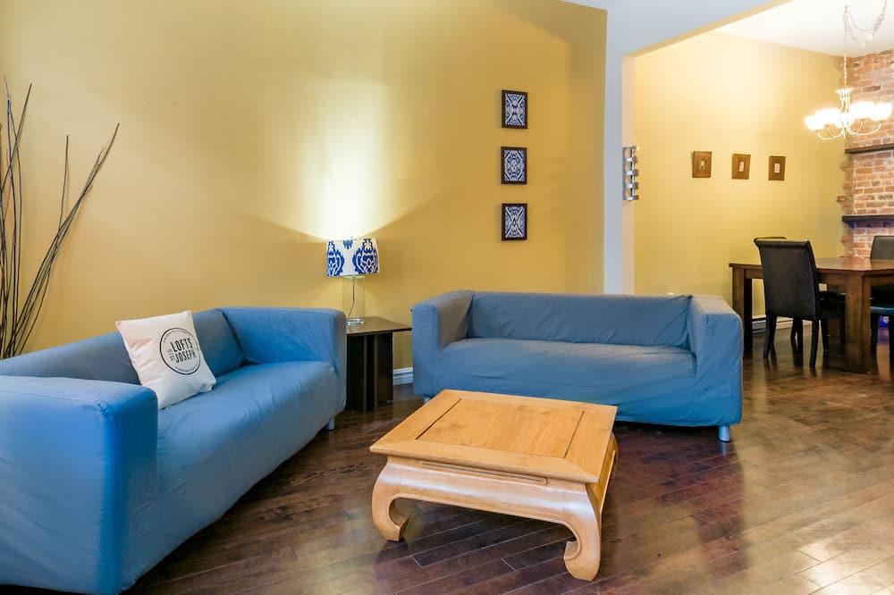 Two-Bedroom Apartement (SJ101) - Living Room
