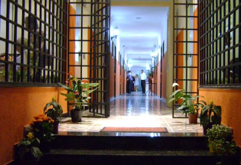 Águias Hotel, Sao Luis, Hotel Entrance