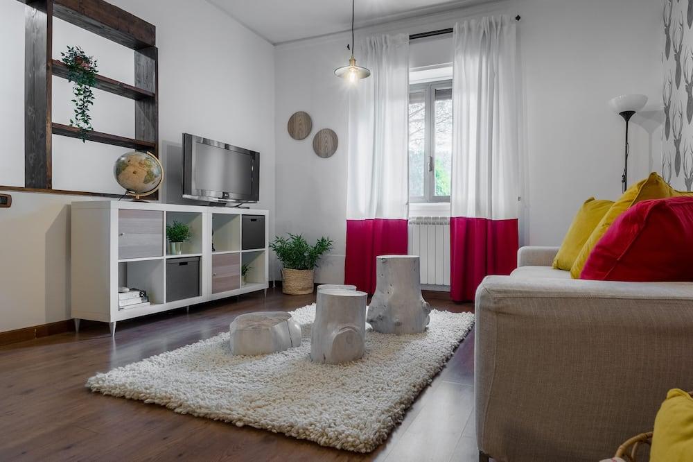Villa, 4 magamistoaga, siseõuega, vaade pargile - Elutuba