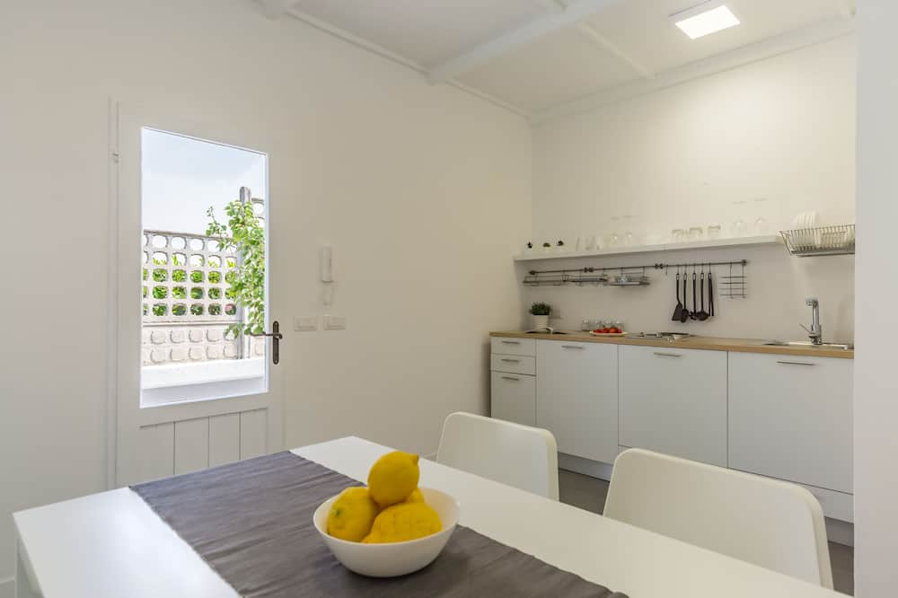 Apartment, 2Schlafzimmer, Terrasse, Meerseite - Essbereich im Zimmer