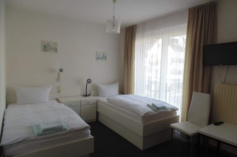 Twin Room, City View - Guest Room