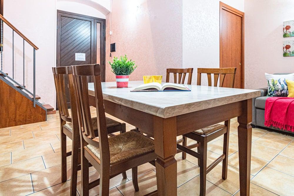Appartamento, Letti multipli, angolo cottura, al piano terra - Area soggiorno