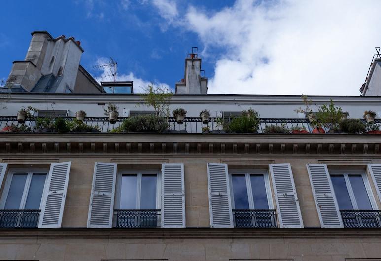 Tinah - Champs Elysées, Paris, Exterior