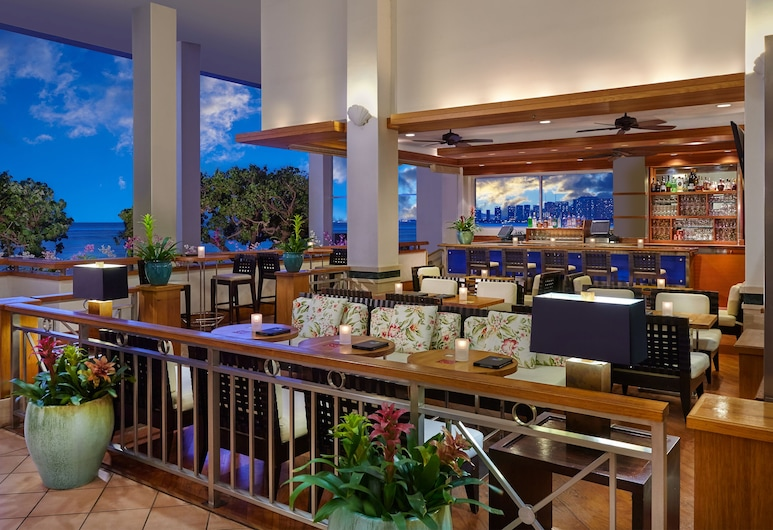 Kaimana Beach Hotel, Honolulu, Hotelový bar