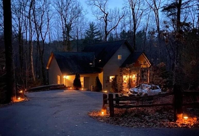 Mountain Fresh Home With Luxury Amenities 3 Bedroom Home, سابفير
