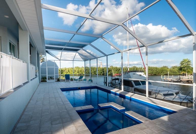 Apollo Beach W Pool, Room To Entertain, Pet Friendly! The Manor 5 Bedroom Home, Apollo Beach, House, 6 Bedrooms, Pool