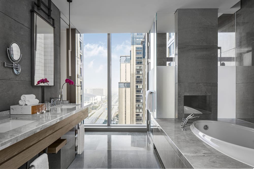 Premium Suite, 1 Bedroom - Bathroom