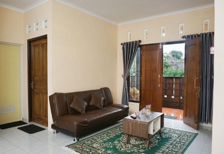 Tsabit Guest House, كالاسان, منزل مريح, منطقة المعيشة