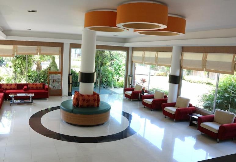 Phanhin 304, Si Maha Phot, Hall