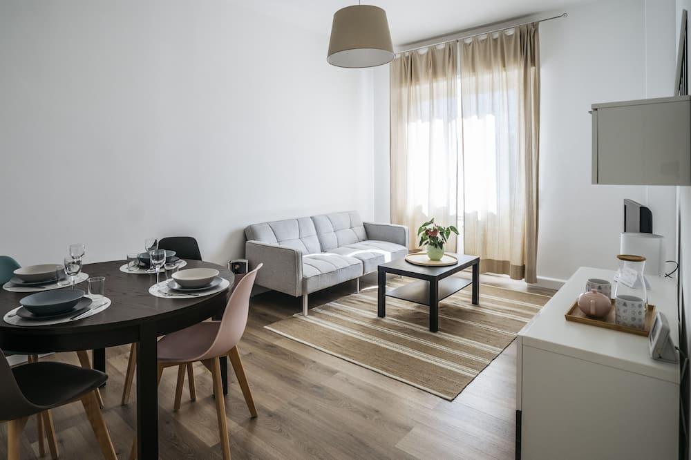 Apartamentai, Kelios lovos, terasa, vaizdas į miestą - Svetainė