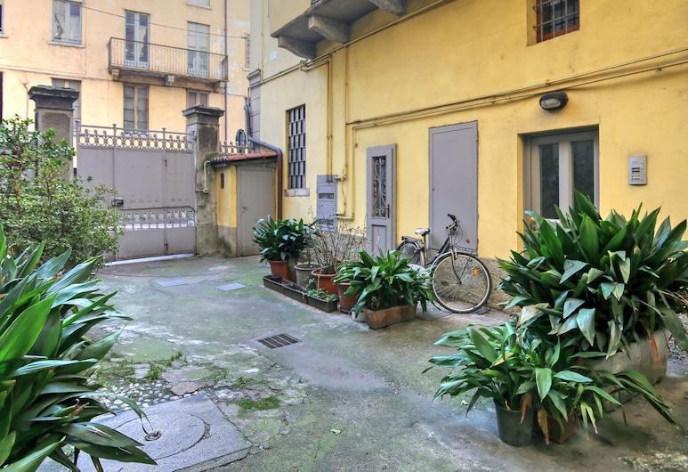 Italianway  - Piazza Amendola 14, Como, Dvůr