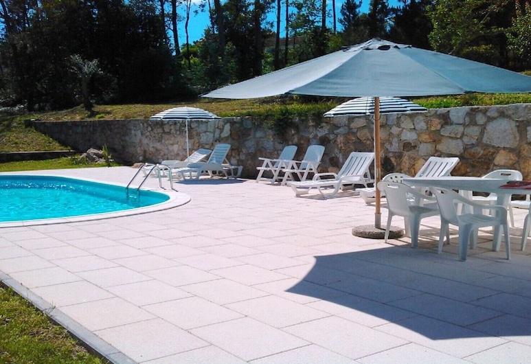 Casa com Piscina Barcelos, Izibookings, Barcelos, حمام سباحة