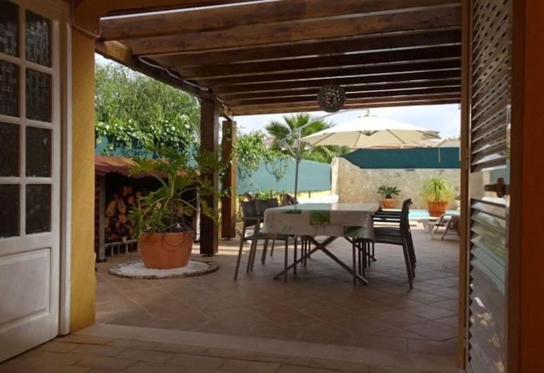Villa c Piscina,carvoeiro by Izibookings, Carvoeiro, Vila, 3 ložnice, soukromý bazén, výhled na bazén, Balkón