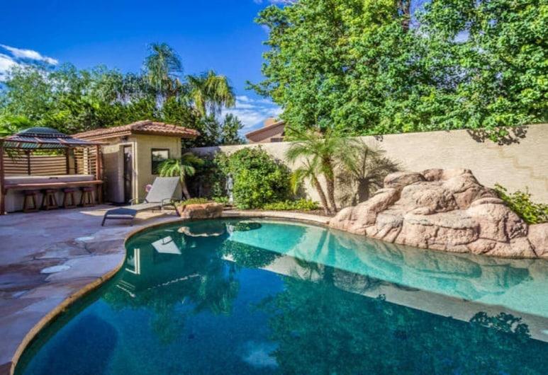 Luxury Scottsdale Home W/pool and Hot Tub!, Scottsdale, Interior