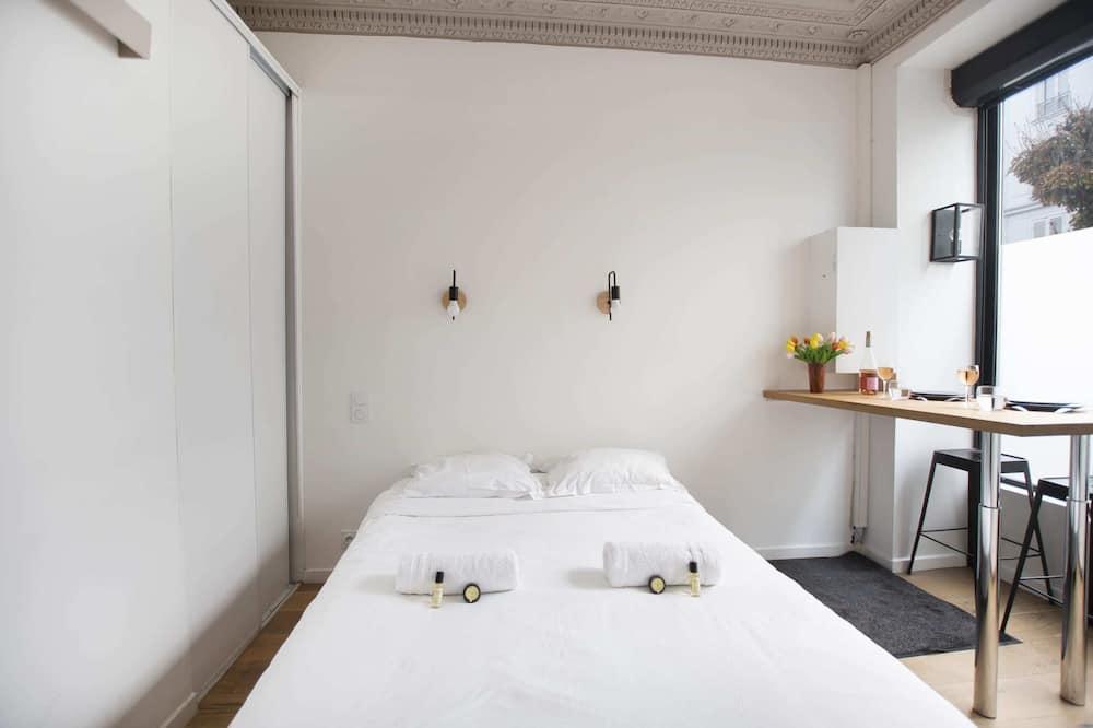 เบสิกสตูดิโอ, เตียงควีนไซส์ 1 เตียง - ห้องพัก