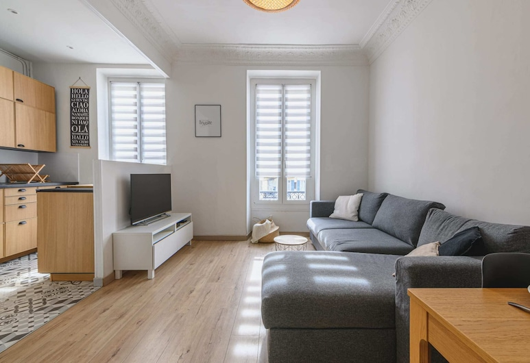 Apartment With Balcony in the Center of Nice, 尼斯, 客廳