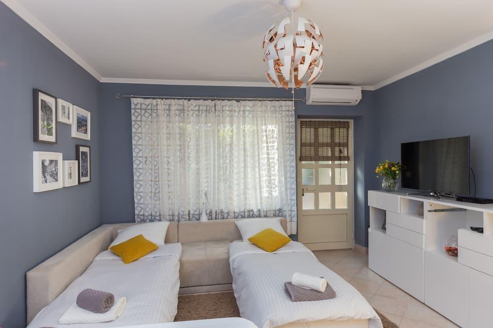 Studio (Studio Apartment) - Room