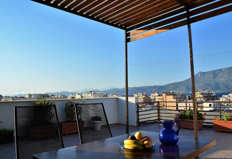 Astonishing View Central Apartment, Corinth