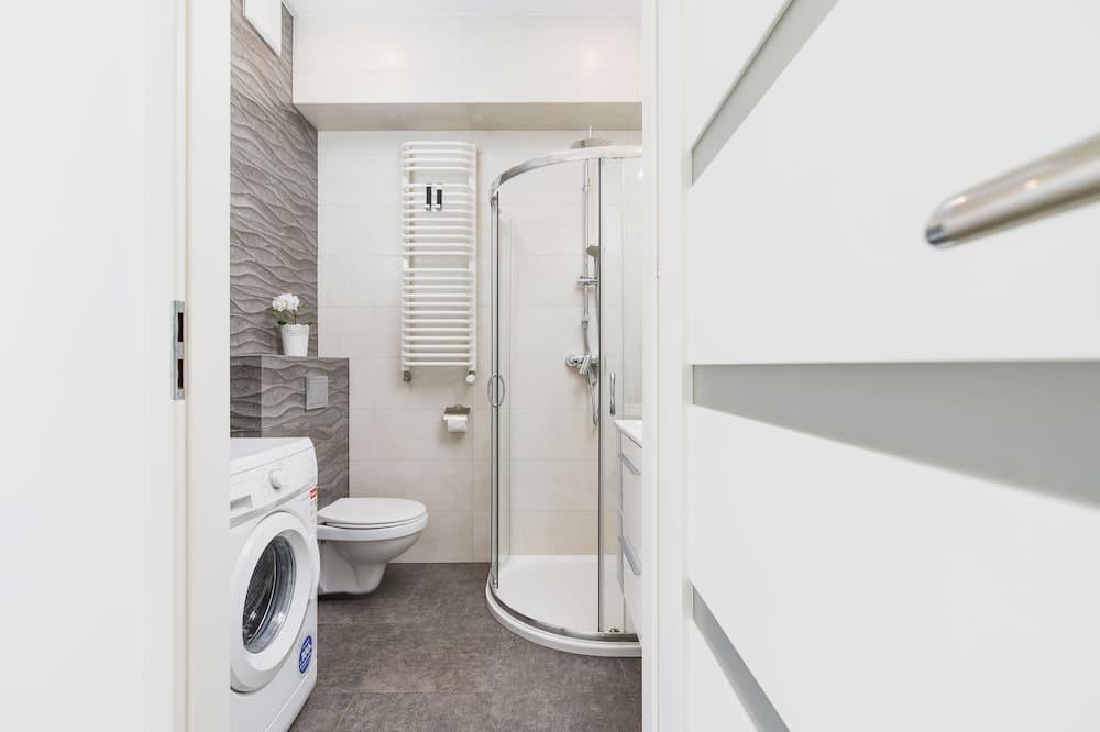 Studio, Kitchen - Bathroom