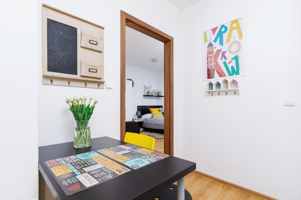 Studio Pradnik Bialy Krakow by Renters