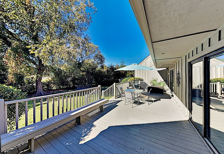 676queen 2 Bedroom Condo, Hilton Head Island, Condo, 2 Bedrooms, Balcony