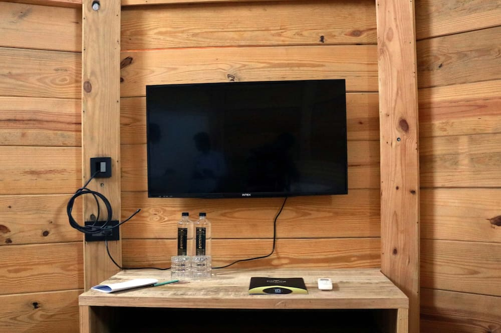 Cottage Room - Televisio