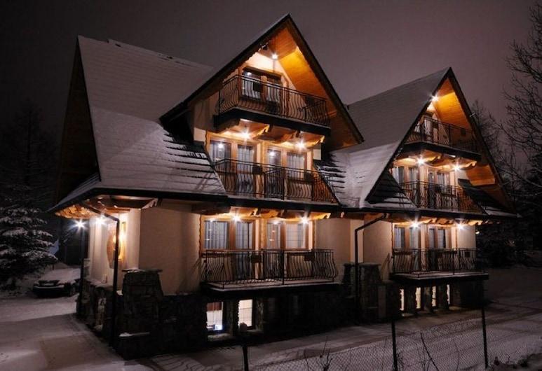 Willa Monia, Zakopane, Facciata hotel (sera/notte)