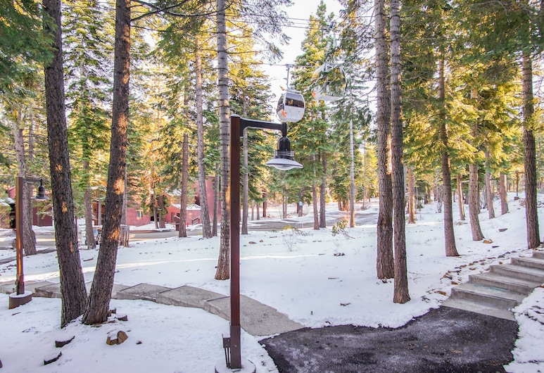Beautiful Home in Truckee With, Truckee, Northstar - Ski Trail Condo, Property Grounds