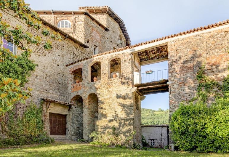 Italianway - Castello di Borgomale, Borgomale